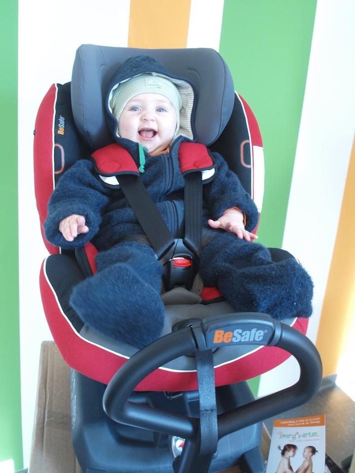 Steiler Sitz, der Kopf fällt vor im Autokindersitz - unsere Tipps
